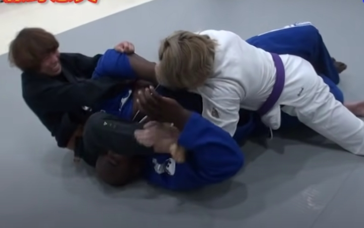Two Women BJJ Practitioners Take on 180 kg Male White Belt in Grappling Challenge