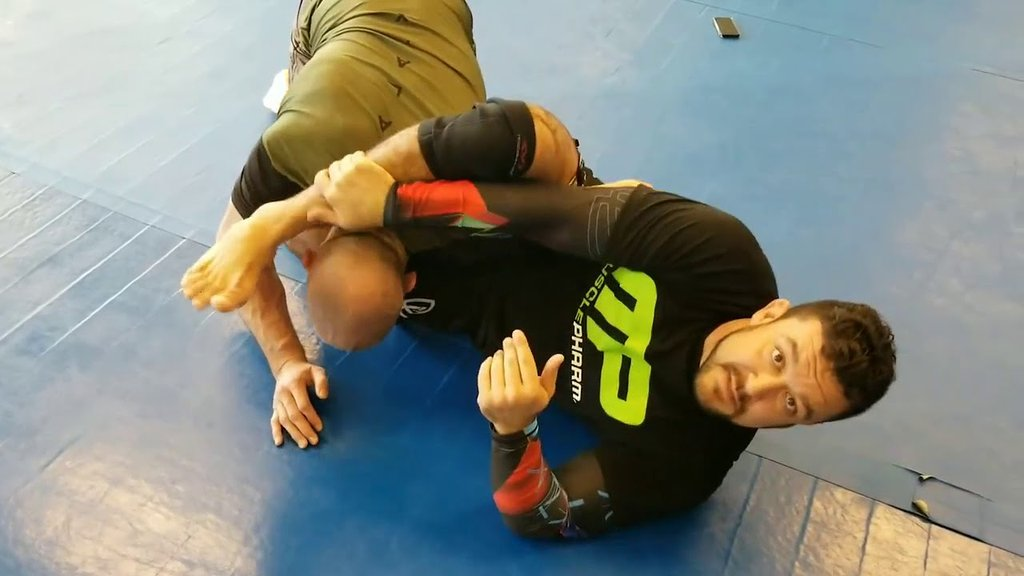 Small Changes That Will Improve Your Omoplata with Tom DeBlass