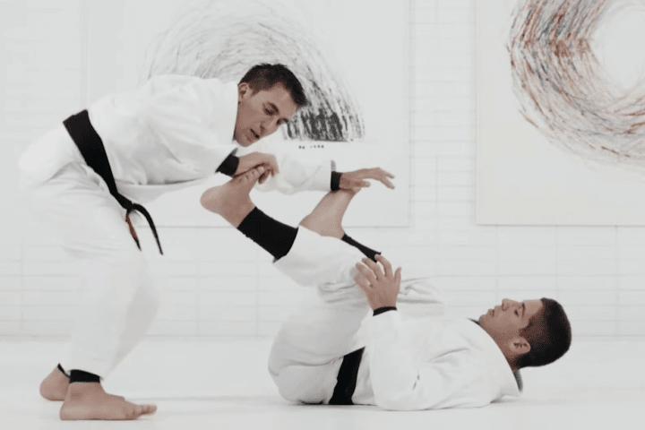 Gui Mendes Explains Crucial Guard Passing Principle for BJJ White Belts